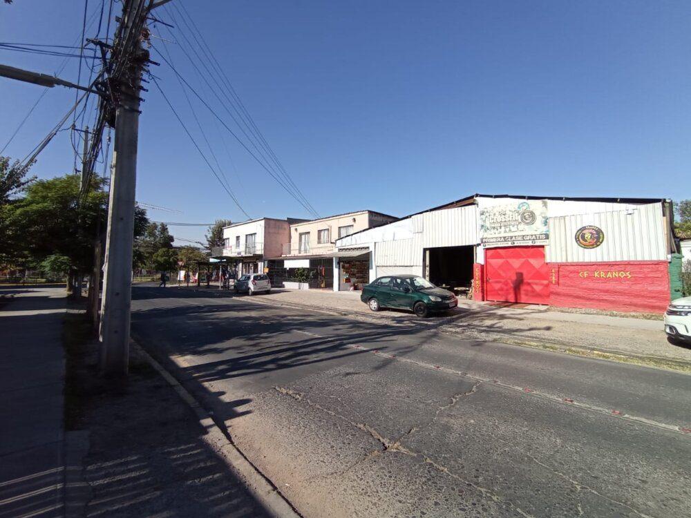 Terreno (con P. Comerciales y Casa) en calle Industria, La Cisterna